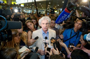 Lawyer Henry Reznik talking to press after meeting with Edward Snowden, Moscow, July 12, 2013.
