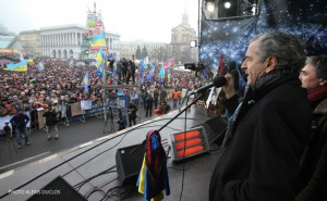 Bernard-Henri Lévy speaking to the mob gathered on Kyiv's Maidan on February 9, 2014.