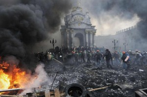 Protesters advanced toward new positions in Independence Square in Kiev on Thursday. Photo: AFP