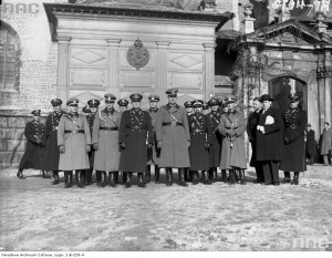 Kurt Daluege (first row, 4th from left) and General Joseph Kordian Zamorski (first row, 5th from left) in Krakow, November 1936. Source: National Digital Archive of Poland.