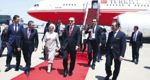 President Erdoğan arrives in Baku to discuss energy framework for the region with President Putin, June 2015