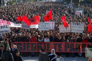 28032012152052_albanci%20protesti