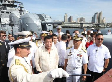 President Rodrigo Duterte (center) visits the Russian anti-submarine ship Admiral Tributs