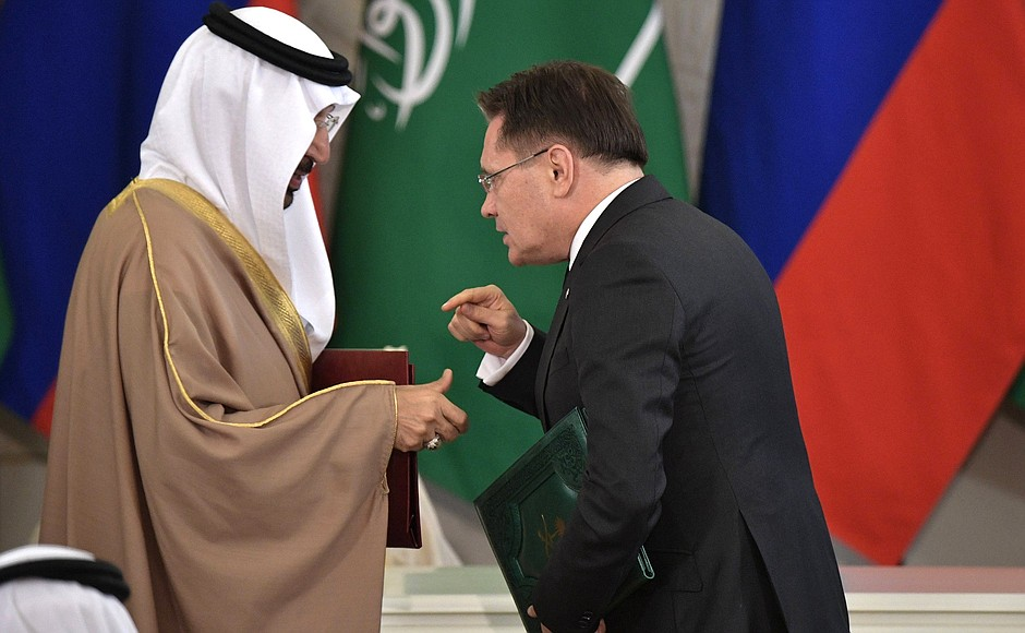 Rosatom SEO Alexey Likhachev with his Saudi counterpart after signing program documents in nuclear sphere