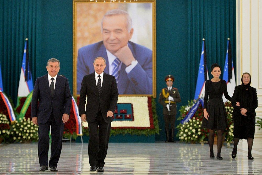 Shavkat Mirziyoyev and Vladimir Putin at the funerals of late Uzbekistan president Islam Karimov, December 2016