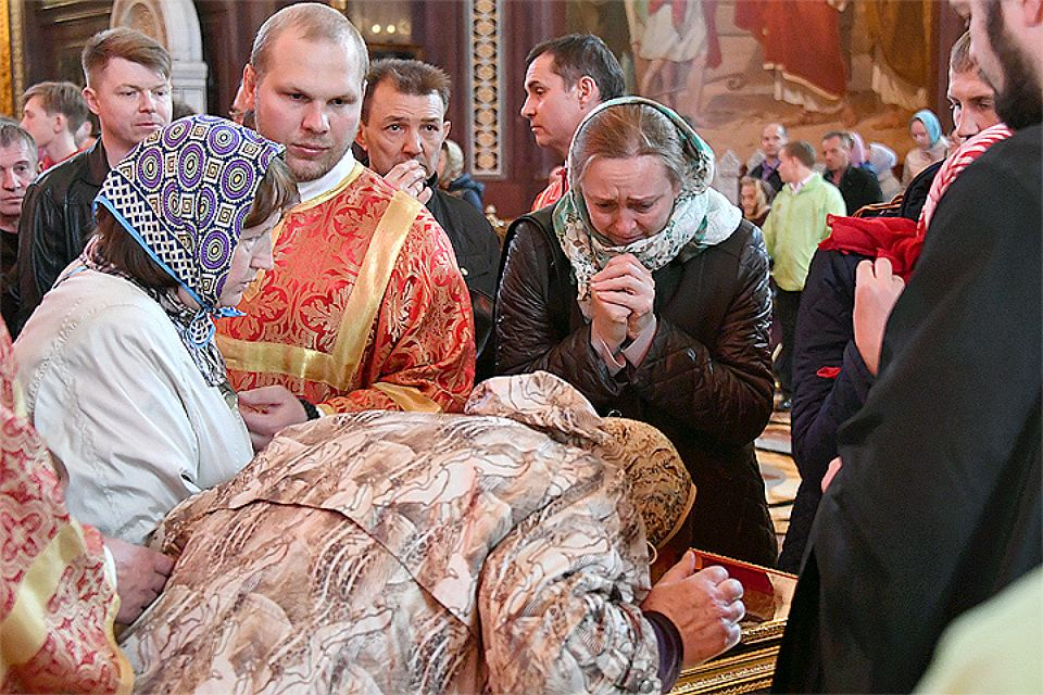 The relics of St.Nicholas brought to Russia from Bari, Italy last summer, were attended only in Moscow's Christ the Saviour Cathedral by 1,807,600 pilgrims.