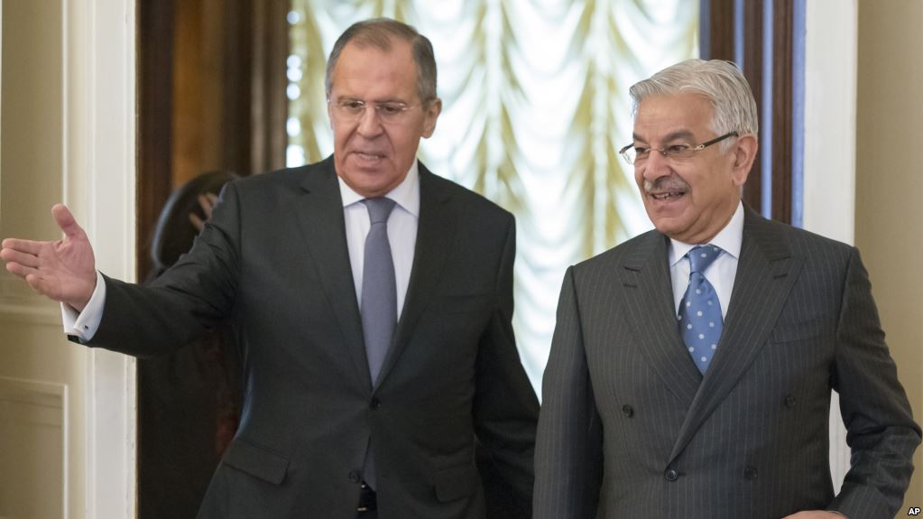 Russian and Pakistani Foreign Ministers Sergey Lavrov and Khawaja Asif meeting in Moscow on Feb 20, 2018