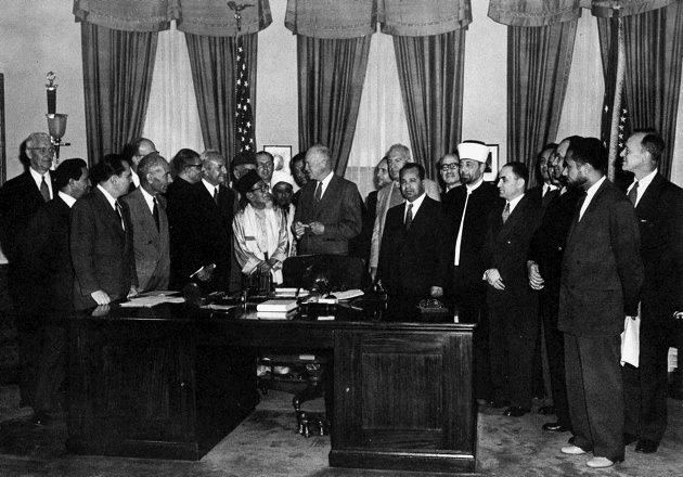 Eisenhower meeting Muslim-Brotherhood 1953