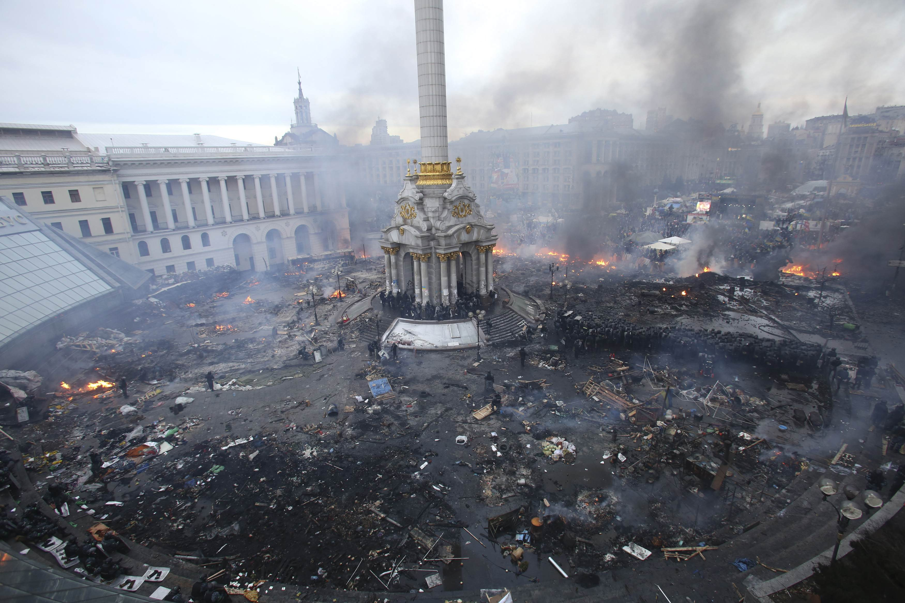 Independence Square during clashes between anti-government protesters and Interior Ministry members and riot police in central Kiev