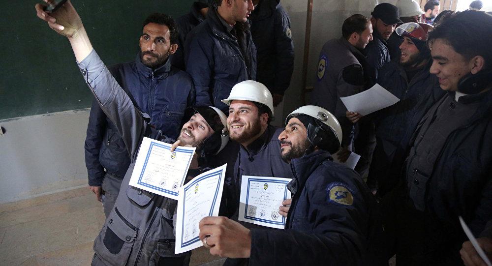 Afbeeldingsresultaat voor Western Media Attacks Critics of the White Helmets