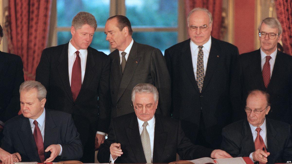 Signing the Dayton Agreement. President of Serbia Milosevic, President of Croatia Tudjman, President of Bosnia Izetbegovic