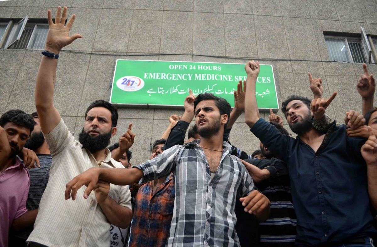 Demonstrators in Srinagar