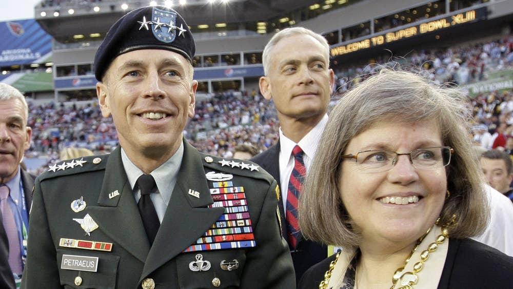 Case of general Petraeus