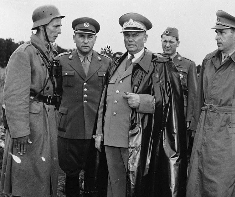 Tito with a soldier of Jugoslav People's Army
