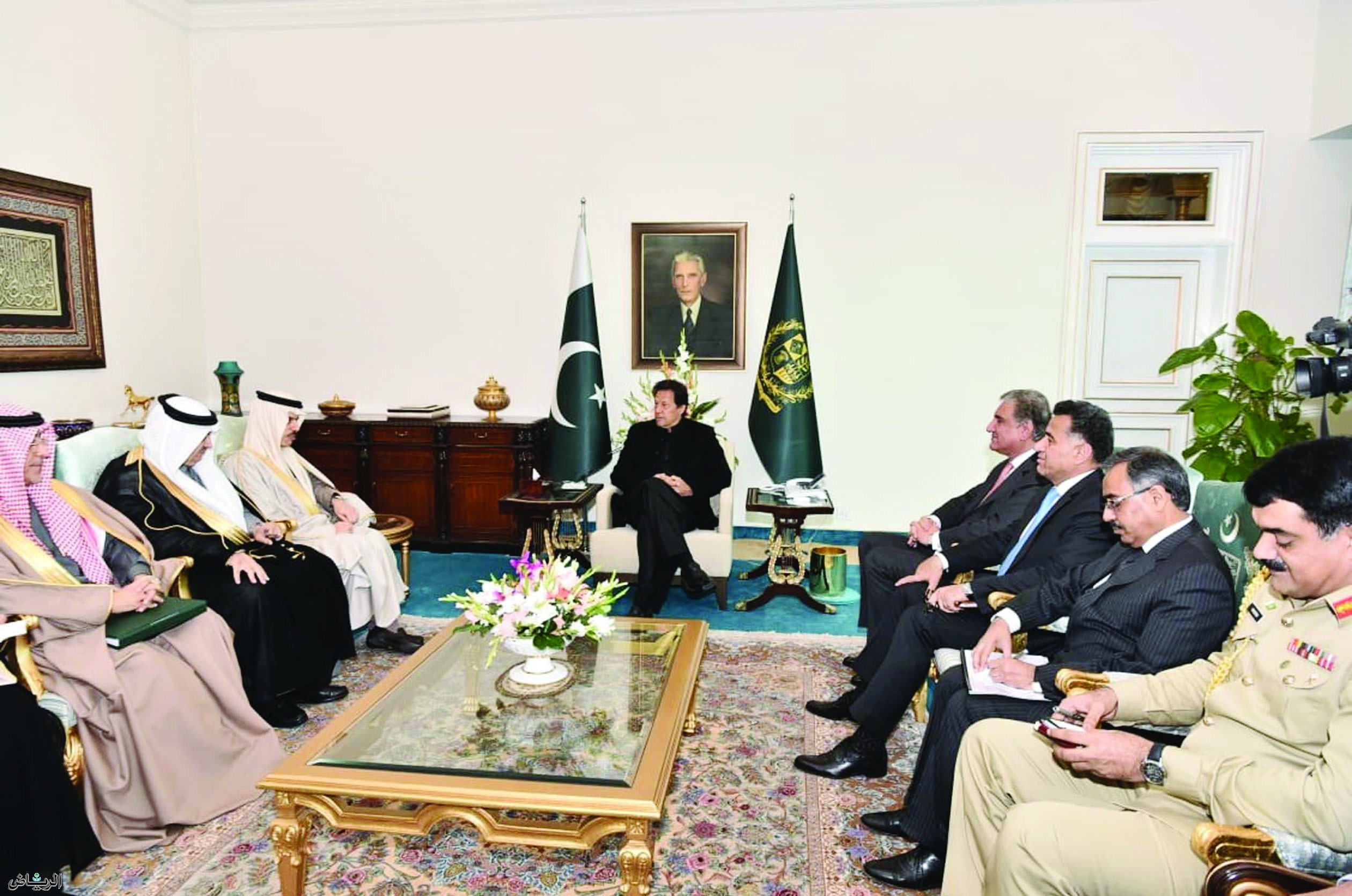Imran Khan received SA Foreign Minister