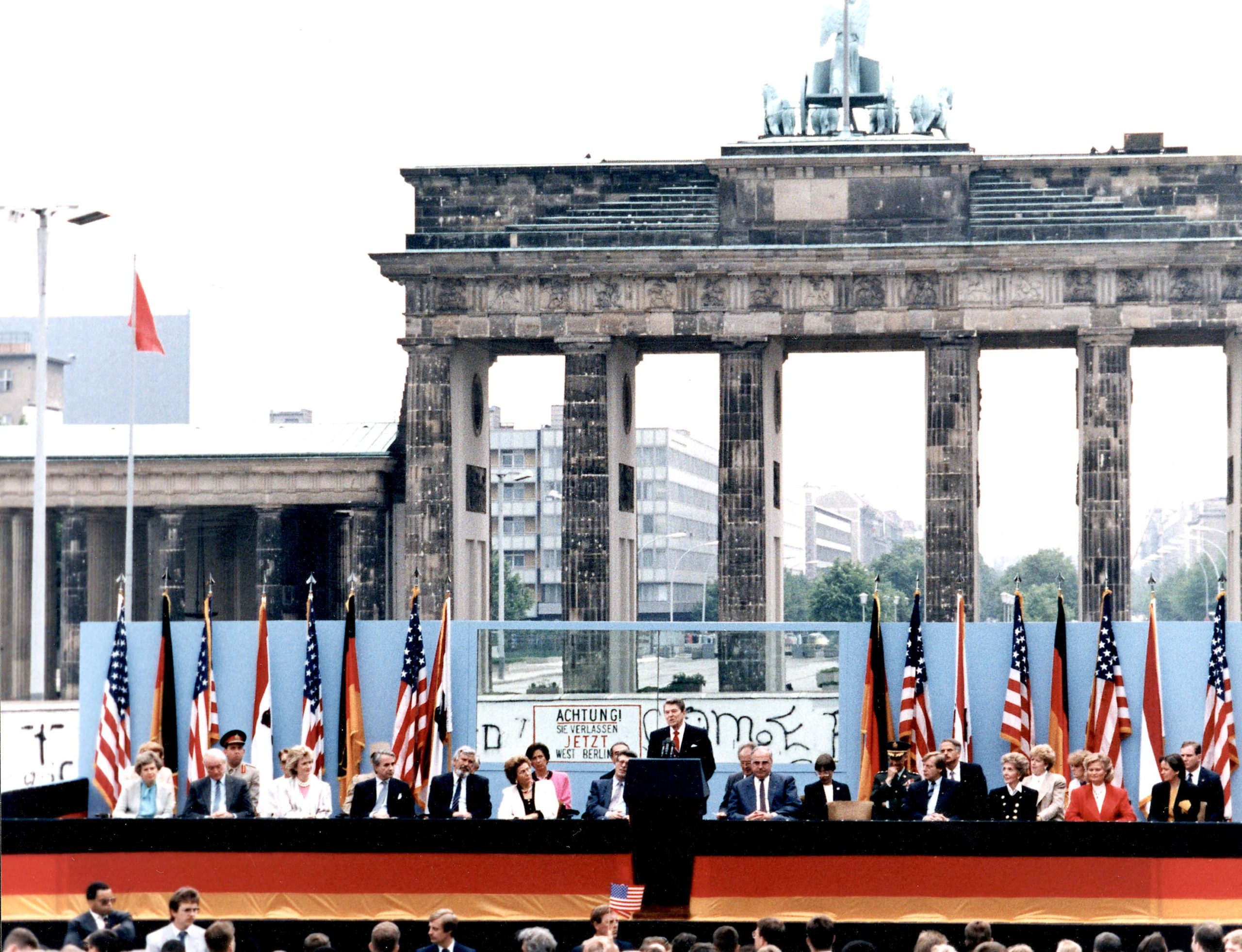 Reagan speech at the Berlin Wall