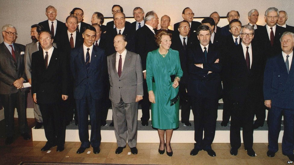 maastricht treaty signing