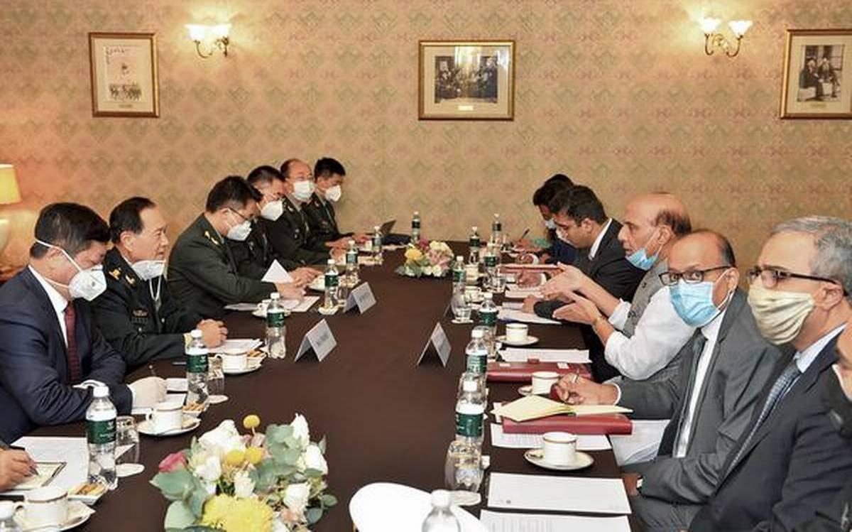 Indian and Chinese Defence Ministers