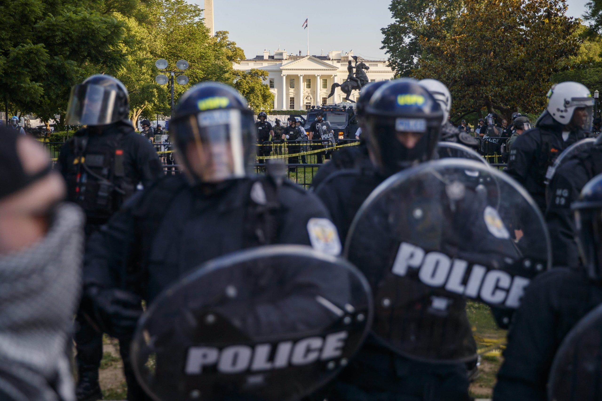 USA on brink of civil war