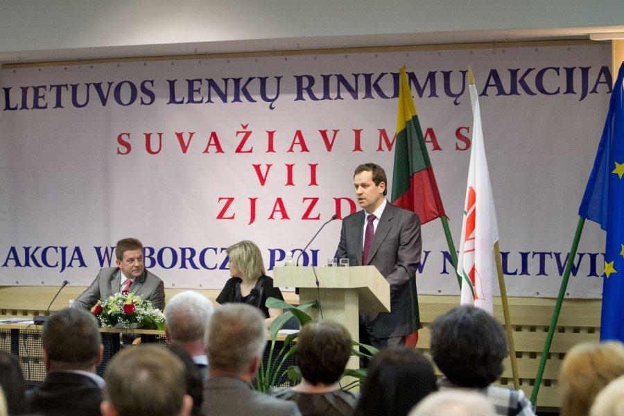 Etnic Polish party in Lithuania (LLRA) and its president W. Tomaszewski