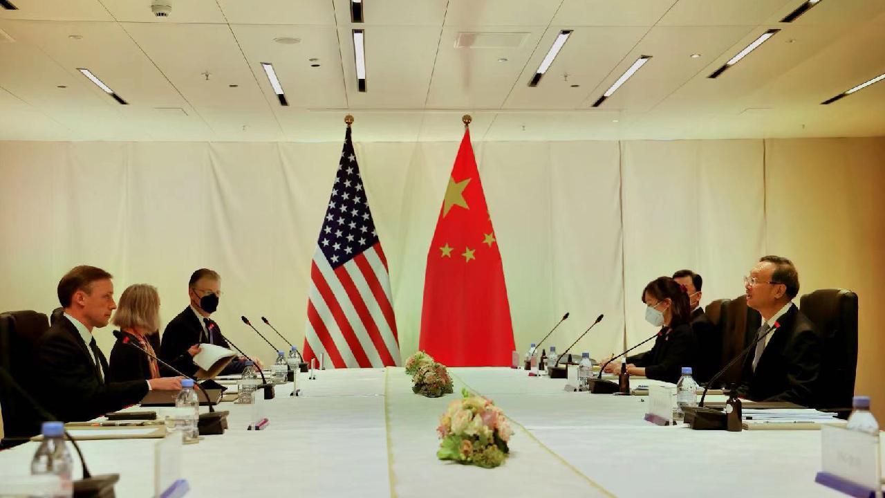 Sullivan with Chinese Politburo member